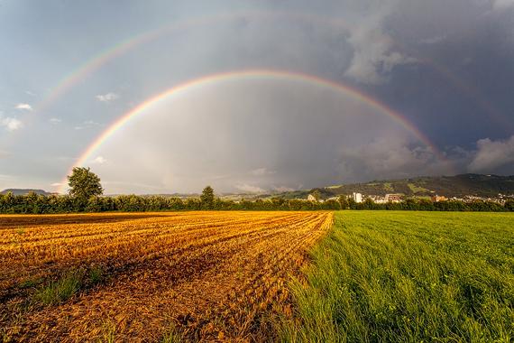 Regenbogen über  Stadt Zug